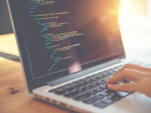 apprendre a coder community manager